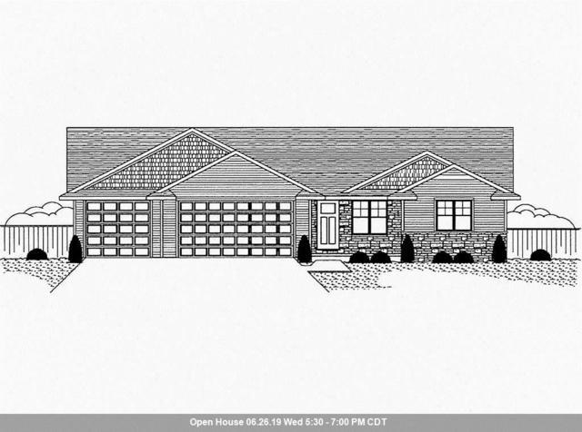1253 Mountain Bay Drive, Pulaski, WI 54162 (#50204485) :: Todd Wiese Homeselling System, Inc.
