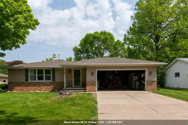 1008 E Mitchell Avenue, Appleton, WI 54915 (#50204872) :: Todd Wiese Homeselling System, Inc.
