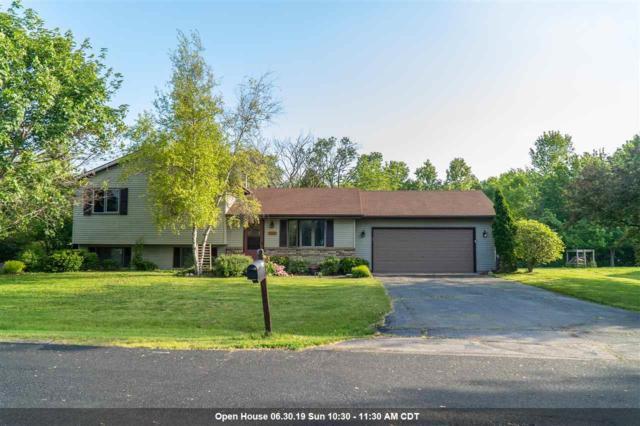 2694 Oakwood Circle, Oshkosh, WI 54904 (#50204922) :: Todd Wiese Homeselling System, Inc.