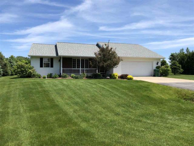 1002 Riverview Drive, Little Suamico, WI 54141 (#50205246) :: Symes Realty, LLC