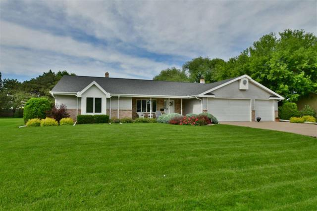 4570 W 4TH Street, Appleton, WI 54914 (#50205321) :: Todd Wiese Homeselling System, Inc.