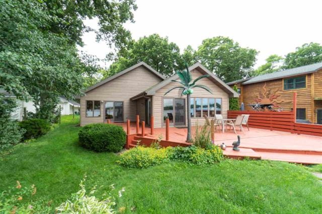 6452 N Paynes Point Road, Neenah, WI 54956 (#50205384) :: Todd Wiese Homeselling System, Inc.