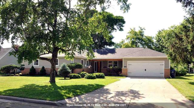 1071 Reed Street, Neenah, WI 54956 (#50205446) :: Todd Wiese Homeselling System, Inc.