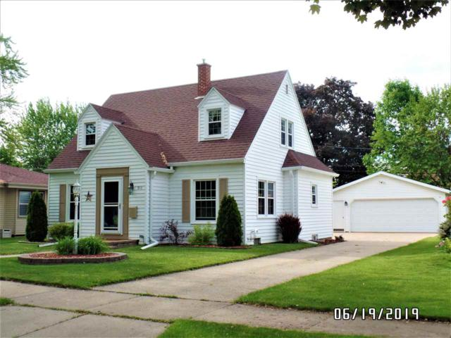 910 E Maple Street, Appleton, WI 54915 (#50205457) :: Symes Realty, LLC