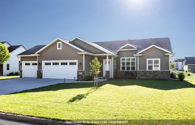 2446 Maple Grove Drive, Neenah, WI 54956 (#50205491) :: Todd Wiese Homeselling System, Inc.