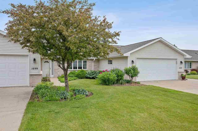 1699 Twin Lakes Circle, Green Bay, WI 54311 (#50205909) :: Dallaire Realty