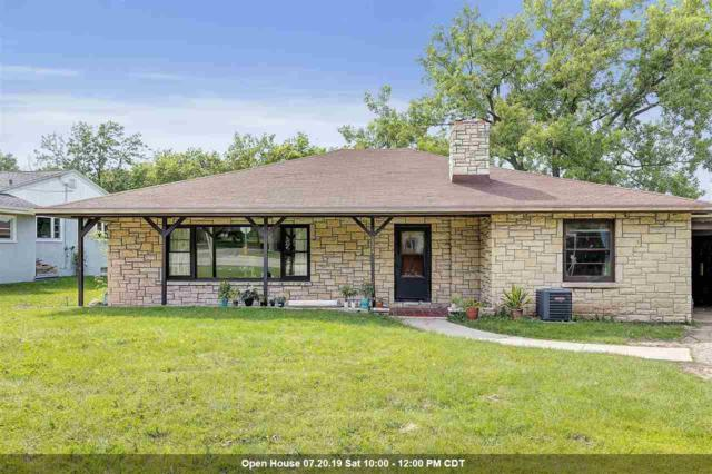 2584 Riverside Drive, Green Bay, WI 54301 (#50206142) :: Todd Wiese Homeselling System, Inc.
