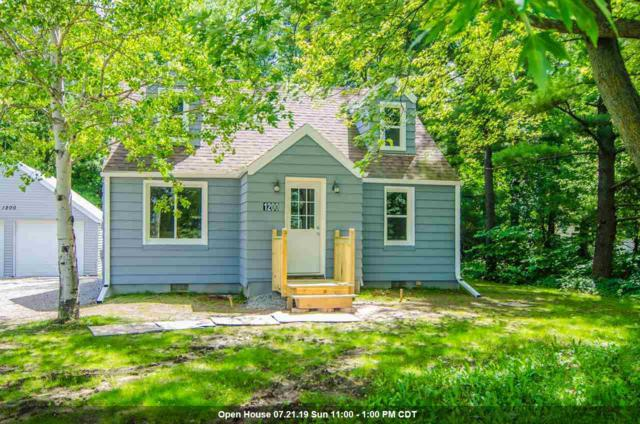 1200 S Casaloma Drive, Appleton, WI 54914 (#50206322) :: Todd Wiese Homeselling System, Inc.