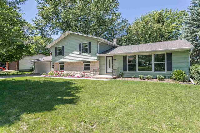 2166 Barberry Lane, Green Bay, WI 54304 (#50206519) :: Symes Realty, LLC