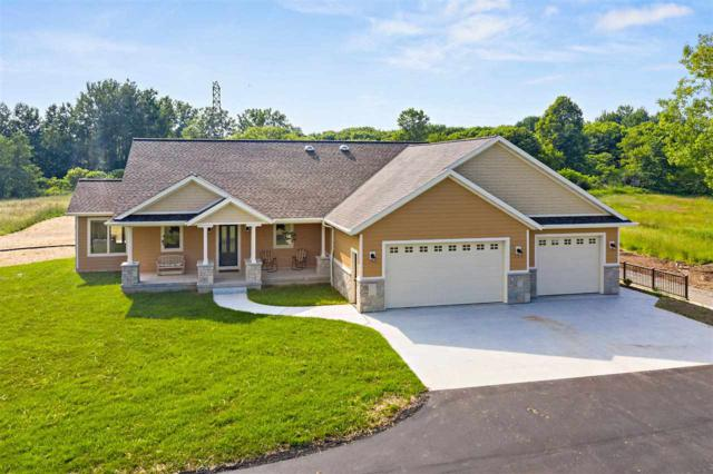 2350 Wood Lane, Suamico, WI 54313 (#50206728) :: Dallaire Realty