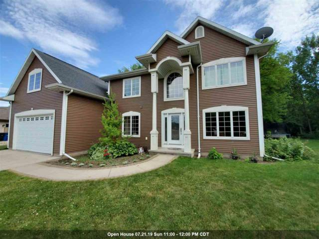 1390 Judy Lee Court, Oshkosh, WI 54904 (#50207011) :: Dallaire Realty
