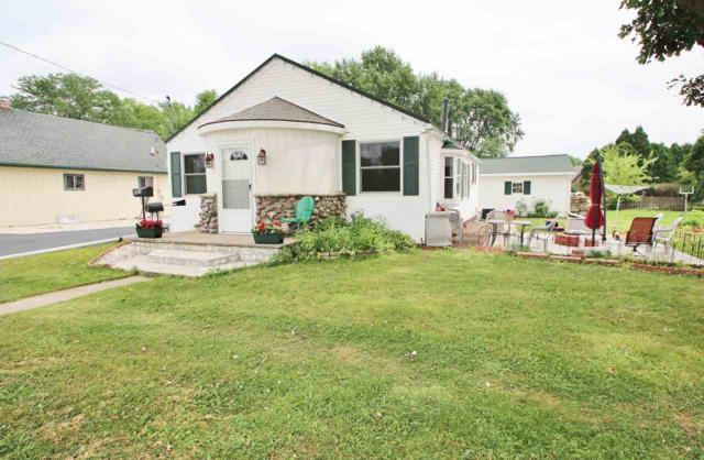 1413 Lost Dauphin Road, De Pere, WI 54115 (#50207094) :: Todd Wiese Homeselling System, Inc.