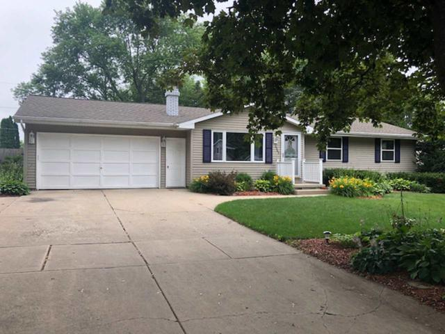 2362 Dew Lane, Green Bay, WI 54313 (#50207270) :: Dallaire Realty