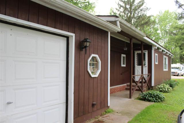 E2061 King Road, Waupaca, WI 54981 (#50207318) :: Dallaire Realty