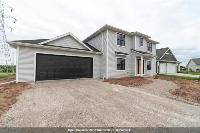 W5718 Parker Court, Appleton, WI 54915 (#50207337) :: Dallaire Realty