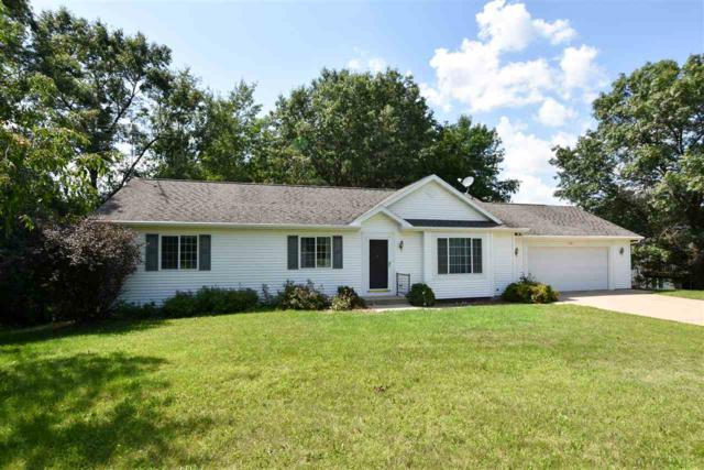770 Leighton Road, Waupaca, WI 54981 (#50208020) :: Dallaire Realty