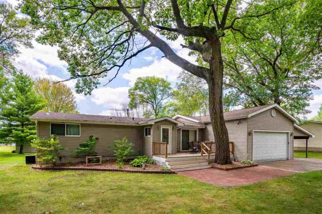 N4579 Fox River Drive, Princeton, WI 54968 (#50208032) :: Dallaire Realty