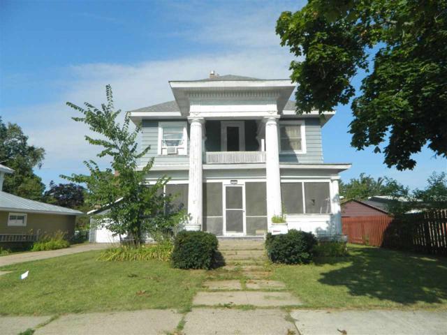 322 Jefferson Street, Waupaca, WI 54981 (#50208285) :: Dallaire Realty