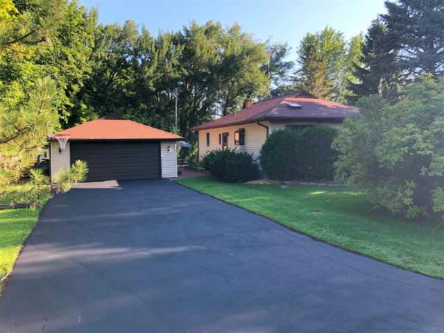 W4731 Golf Course Drive, Fond Du Lac, WI 54935 (#50208663) :: Todd Wiese Homeselling System, Inc.