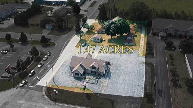 911 Green Bay Road, Sturgeon Bay, WI 54235 (#50209530) :: Symes Realty, LLC
