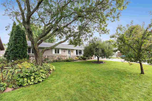 1714 N Mcintosh Drive, Appleton, WI 54914 (#50209897) :: Todd Wiese Homeselling System, Inc.