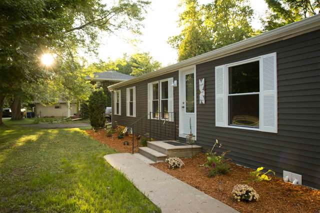 1120 Grant Street, De Pere, WI 54115 (#50210683) :: Todd Wiese Homeselling System, Inc.