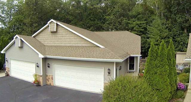 3687 Nordic Court, Suamico, WI 54173 (#50211047) :: Symes Realty, LLC