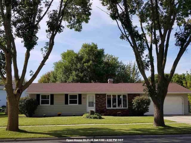 852 Lone Oak Road, De Pere, WI 54115 (#50211058) :: Symes Realty, LLC
