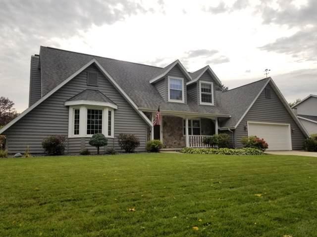 1068 Briarwood Lane, Fond Du Lac, WI 54935 (#50211251) :: Todd Wiese Homeselling System, Inc.