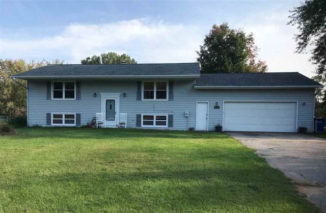 1895 Wildwood Drive, Suamico, WI 54173 (#50211542) :: Dallaire Realty