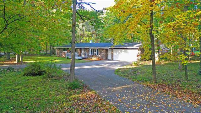 E2377 Lamplighter Lane, Waupaca, WI 54981 (#50212164) :: Symes Realty, LLC
