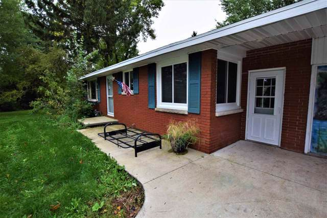 3055 Shawano Avenue, Green Bay, WI 54313 (#50212182) :: Todd Wiese Homeselling System, Inc.