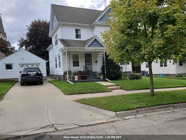 110 W Liberty Street, Berlin, WI 54923 (#50212242) :: Todd Wiese Homeselling System, Inc.