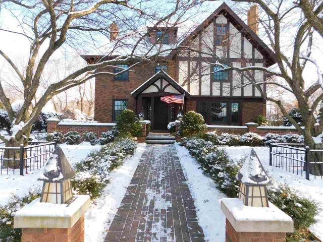 815 S Monroe Avenue, Green Bay, WI 54301 (#50212390) :: Todd Wiese Homeselling System, Inc.