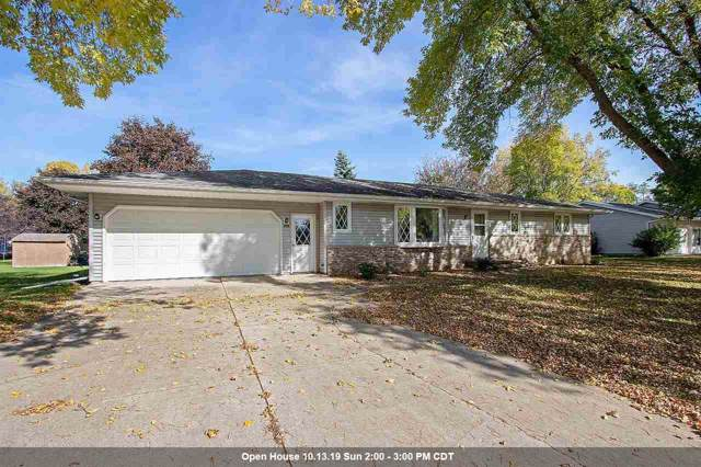240 Bentwood Drive, Brillion, WI 54110 (#50212497) :: Symes Realty, LLC