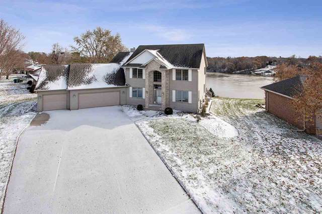 1033 Crestview Drive, Wrightstown, WI 54180 (#50212518) :: Dallaire Realty