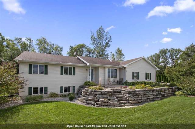 N1582 Merrimac Drive, Greenville, WI 54942 (#50212547) :: Todd Wiese Homeselling System, Inc.