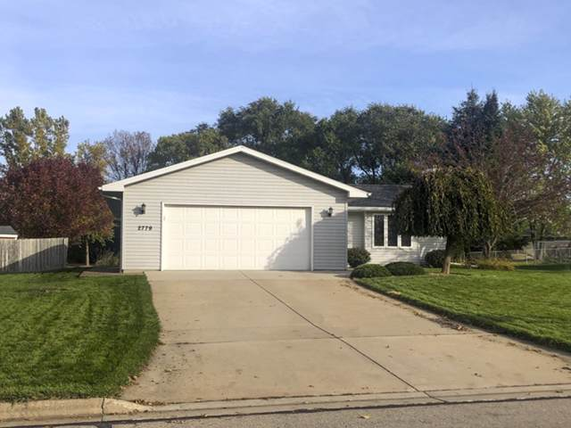 2779 Continental Drive, Green Bay, WI 54311 (#50212560) :: Dallaire Realty