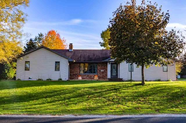 N9630 Darboy Drive, Appleton, WI 54915 (#50212663) :: Todd Wiese Homeselling System, Inc.