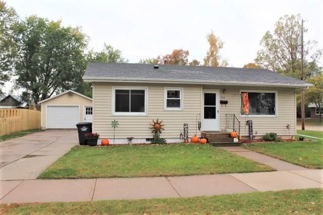 804 E Randall Street, Shawano, WI 54166 (#50212759) :: Todd Wiese Homeselling System, Inc.