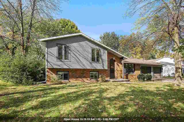 232 Scout Way, De Pere, WI 54115 (#50212799) :: Todd Wiese Homeselling System, Inc.