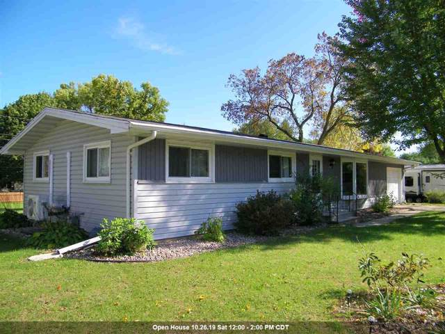 934 S Cleveland Street, Shawano, WI 54166 (#50212811) :: Todd Wiese Homeselling System, Inc.