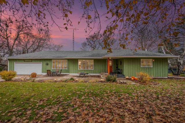 W1336 Hwy A, Berlin, WI 54923 (#50213687) :: Todd Wiese Homeselling System, Inc.