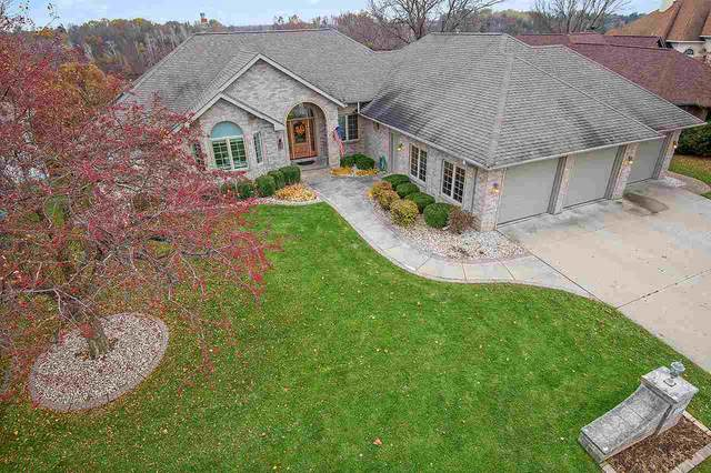 1053 Crestview Drive, Wrightstown, WI 54180 (#50213810) :: Todd Wiese Homeselling System, Inc.