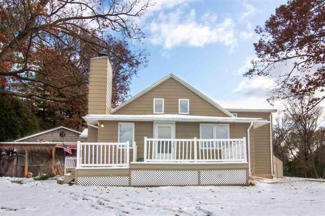 2614 W Palisades Drive, Menasha, WI 54952 (#50213942) :: Todd Wiese Homeselling System, Inc.