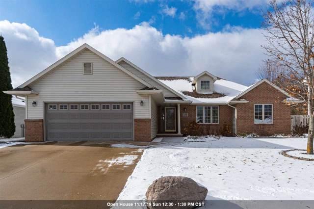 170 Rolling Green Circle, Oshkosh, WI 54904 (#50214004) :: Todd Wiese Homeselling System, Inc.