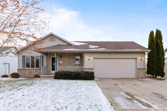 2605 Maple Grove Drive, Neenah, WI 54956 (#50214009) :: Todd Wiese Homeselling System, Inc.