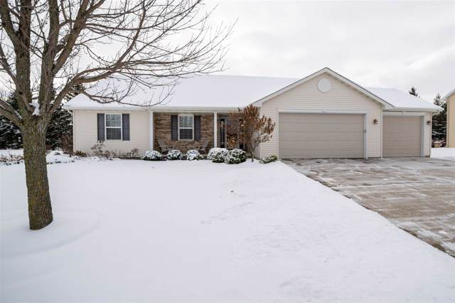 W7229 Sunfield Drive, Greenville, WI 54942 (#50214135) :: Todd Wiese Homeselling System, Inc.