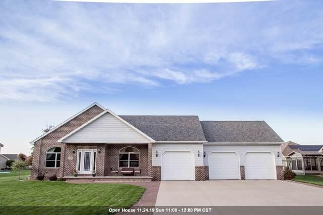 1349 Whispering Pines Lane, Neenah, WI 54956 (#50214197) :: Todd Wiese Homeselling System, Inc.