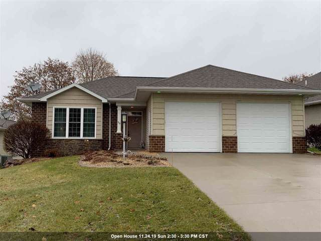 517 Golf Side Court, Hortonville, WI 54944 (#50214359) :: Dallaire Realty